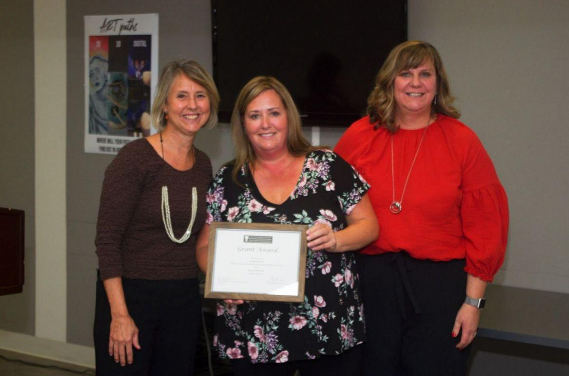 LEEF Awards Grant to Kimberly Mirer & Cathy Bodzinski for Sensory Pathway